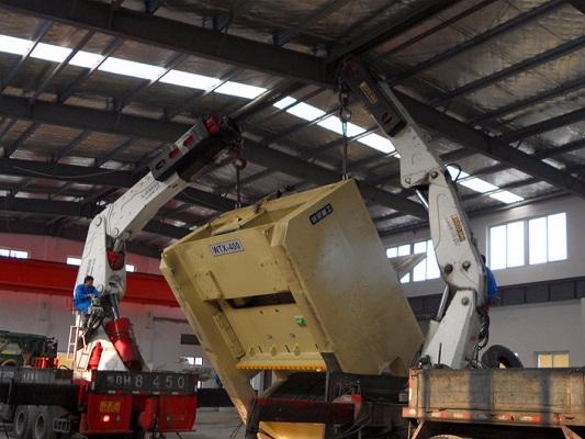 400T冲床厂房内吊装
