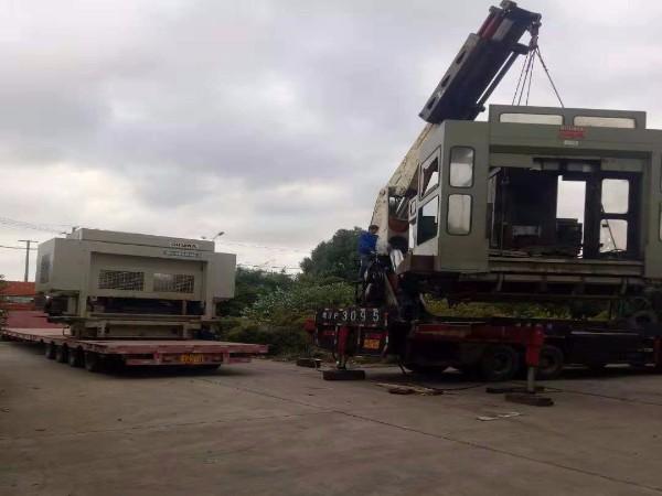 大型卧式加工中心吊装搬运
