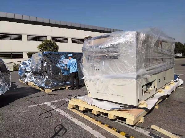 设备出口防潮真空打包装柜