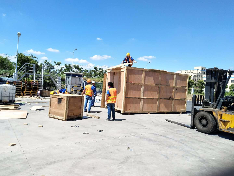 木箱现场打包装车
