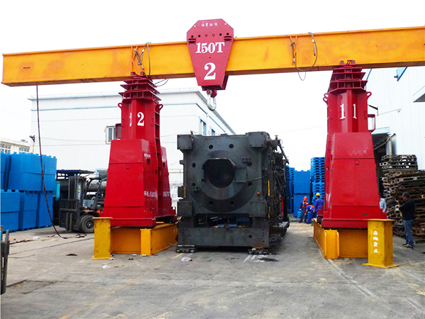 1000吨移动式液压龙门吊